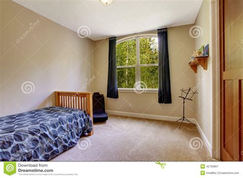 Small Bedroom With Single Bed Stock Photo   Image: 42763807