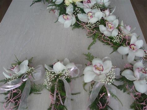 Telpu, Galdu Dekori - ZieduLaiva | Digital camera olympus, Floral wreath, Floral