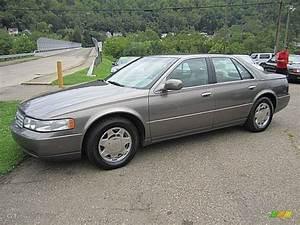 1999 Cashmere Cadillac Seville Sls  69275211