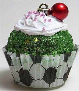 45 Easy And Creative Christmas Cupcake Decorating Ideas ...