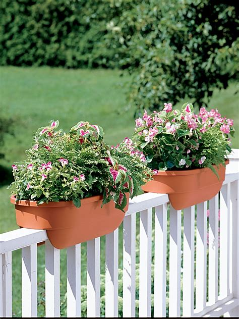 Banister Planters deck railing planter boxes gardener s supply