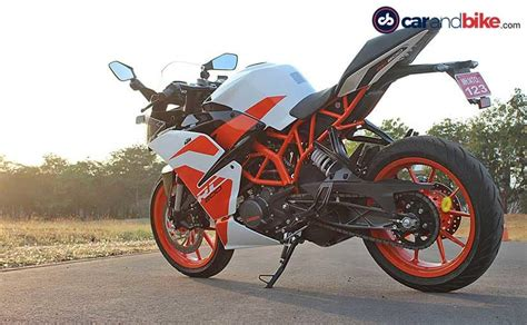 Review Ktm Rc 200 by 2017 Ktm Rc 200 Ride Review Carandbike