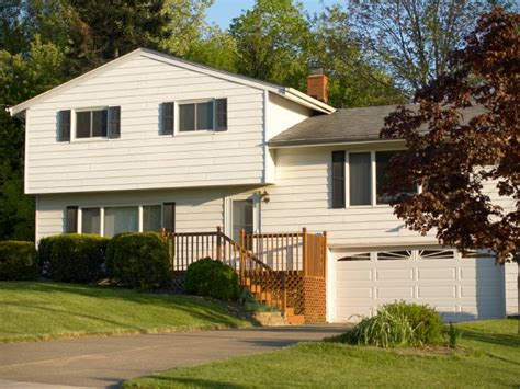 split level style type of split level homes definition raised ranch and