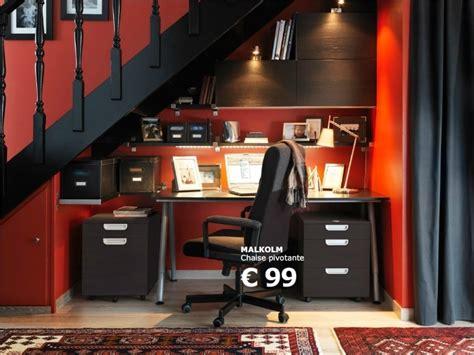 sous bureau ikea idée d 39 aménagement d 39 un bureau sous un escalier ikea