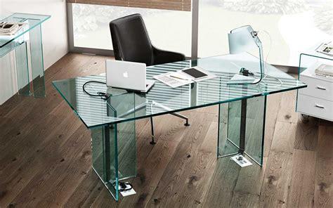 la collezione  scrivanie  vetro llt ofx executive fiam italia
