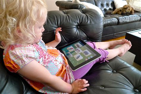 5 ways parents can make technology work for their children 818 | Girl playing on ipad