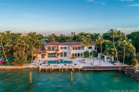 dwyane wade  gabrielle union selling miami beach home   million homes   rich