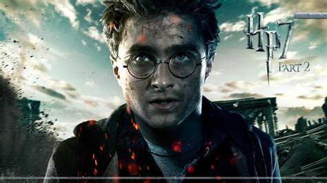 daniel radcliffe looking front harry potter and the