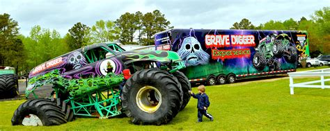 how many monster trucks are there in monster jam 100 large grave digger monster truck toy wheels