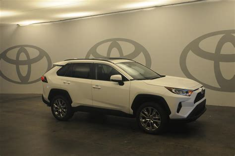 New 2020 Toyota RAV4 XLE 2WD XLE PREM FWD SUV