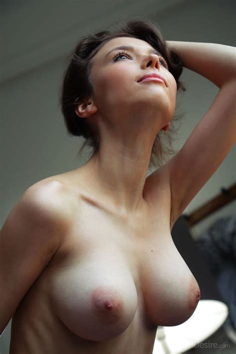 Skinny Female Mila Displays Her Nice Tits And Smooth Pussy