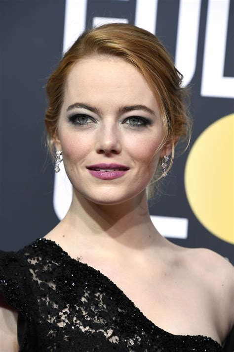 Emma Stone Toned It Down At The 2018 Golden Globes
