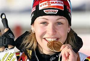 Magdalena Neuner Playboy : magdalena neuner la fianc e du biathlon crampons de 16 ~ Lizthompson.info Haus und Dekorationen