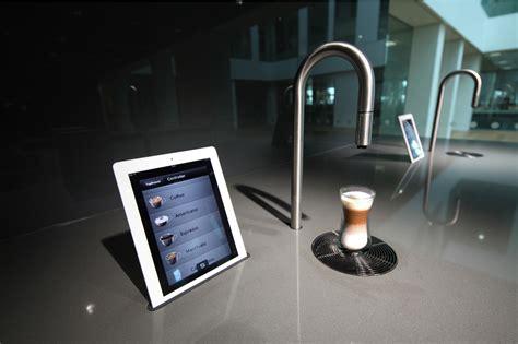 Koffiebonen Zet Apparaat by De Koffie De Toekomst Komt Uit Een Kraan En Zet Je Met