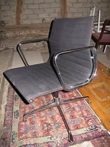 Vitra Stühle Gebraucht : vitra herman miller charles ray eames alu chair ea 108 schwarz ebay kleinanzeigen mit stil ~ Markanthonyermac.com Haus und Dekorationen