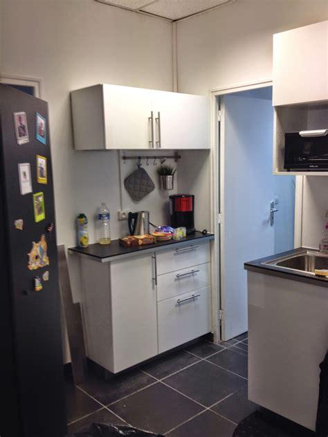 monteur de cuisine cuisine pour une entreprise