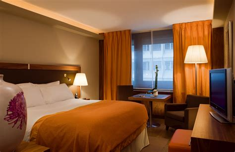 chambre dhotel beautiful chambre dhotes orange images design