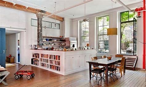 Loft Der Moderne Lebensstilmauerwerk Und Holz In Loft by Einrichtungsideen Ein Loft In New York