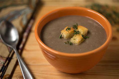 savory spanish pardina lentil soup  country croutons