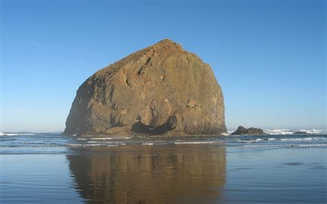haystack rock oregon wallpaper 12306