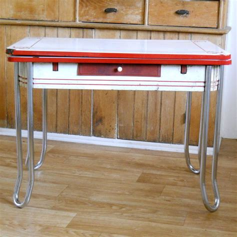 vintage metal top kitchen table 1000 images about vintage kitchen table and chairs on 8841