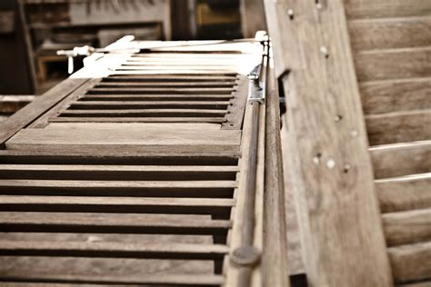 restauro persiane legno restauro persiane in legno simet2