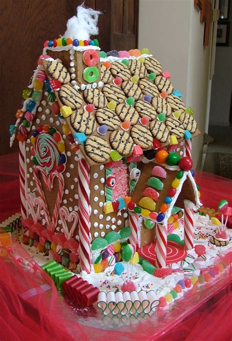 Decorating Ideas Gingerbread Houses by Suzy Homefaker Gingerbread House Decorating Ideas