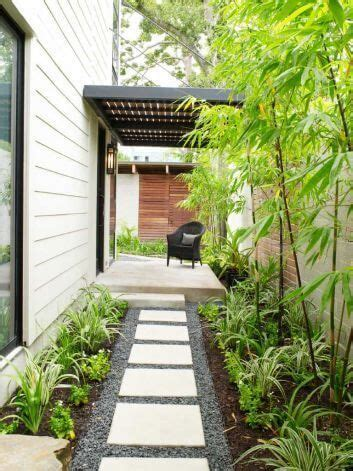 landscaping ideas for the side of the house 27 easy and cheap walkway ideas for your garden garden pashion side yard landscaping front