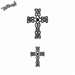 Croix Tatouage Homme : tatouage croix celtique poignet mod les et exemples ~ Dallasstarsshop.com Idées de Décoration
