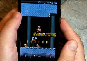 Super Mario sidescrolls way through your Android live ...