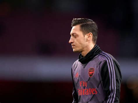 Mesut Ozil left out of Arsenal's Europa League squad ...
