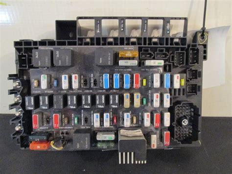 Kenworth T300 Fuse And Relay Box by Freightliner Columbia Siglo Panel De Fusibles Ebay