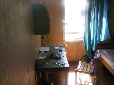 chambre afpa dans ma chambre a l afpa cot 233 bureau le soleil est