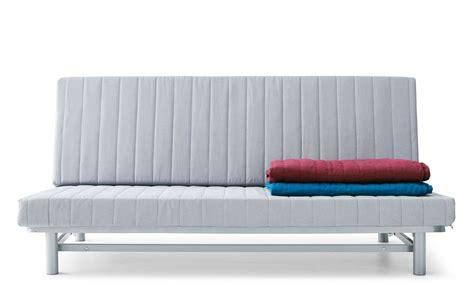 Grazie a questa possibilità di personalizzazione, non è obbligato a scegliere i divani senza braccioli da una gamma ristretta di modelli ma può richiedere questa. Divano letto matrimoniale prezzi e consigli
