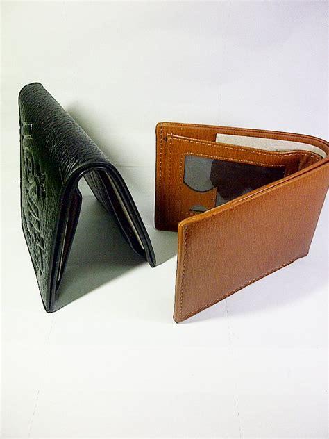 Harga Dompet Merk Levis jual beli dompet pria levi s pendek warna coklat tua