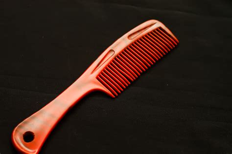 find   comb   hair  steps