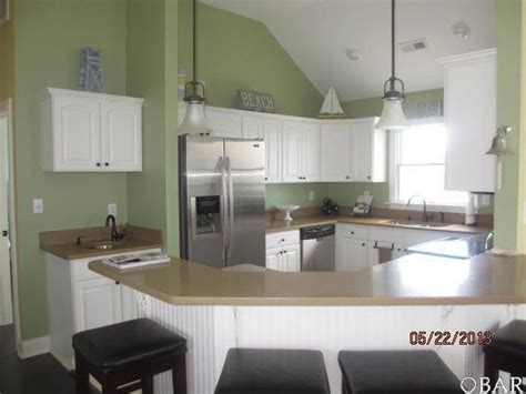 Green Kitchen White Cabinets by Kitchen White Cabinets Green Walls House