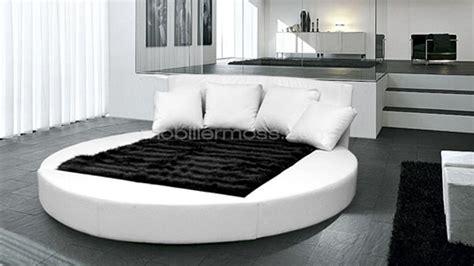 chambre avec lit rond lit deux places rond