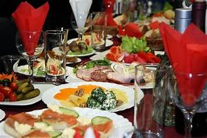 Festlich Gedeckter Tisch : festlich gedeckter tisch mit stockfoto colourbox ~ Eleganceandgraceweddings.com Haus und Dekorationen