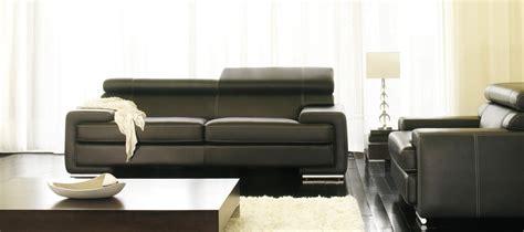 réparer canapé cuir salon avec canape noir