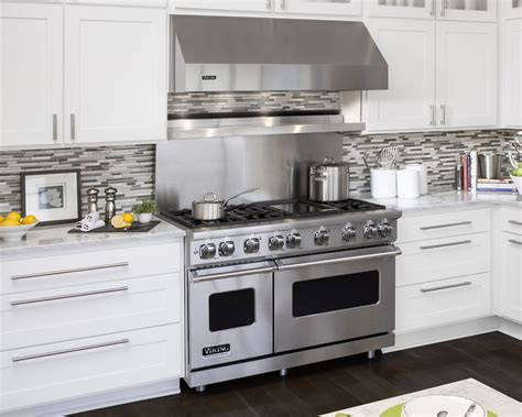 viking kitchen appliances what s cooking viking range llc partners up with