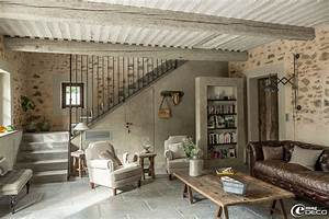 old barn turned into a charming bergerie decoholic With attractive idee couleur mur salon 8 renovation deco maison ancienne