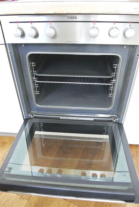 Ofen Reinigen Hausmittel by Backofen Reinigen Ohne Chemie So Wird Dein Ofen