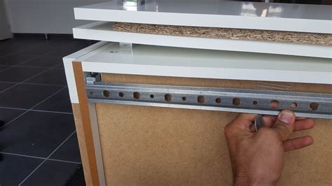 comment fixer meuble haut cuisine ikea fixer meuble haut cuisine comment fixer meuble haut