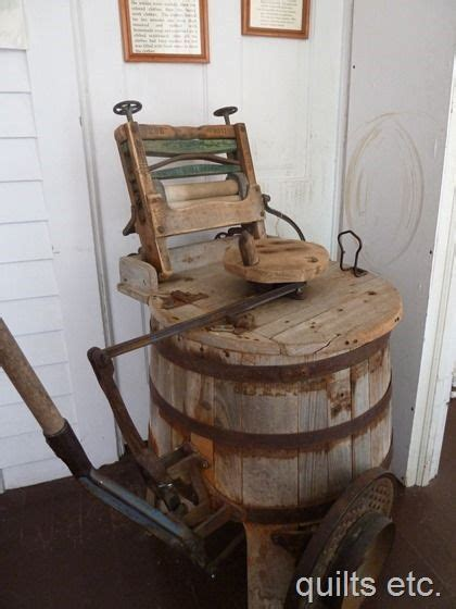 old fashioned washing machine   est late 1800's?   Old