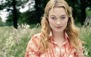 Sophia Myles Wallpapers Images Photos Pictures Backgrounds