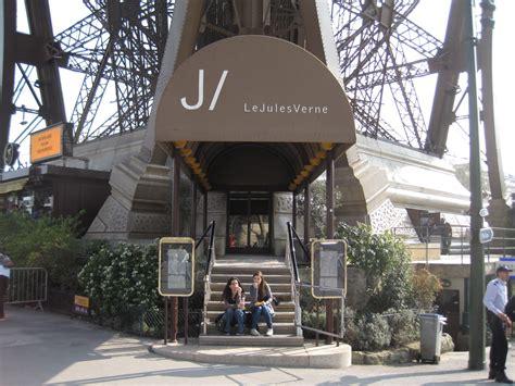 Bateau Mouche Ducasse by Romantic Spots In Paris Places To Say I Love You Parisbym