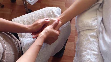 Chinese Powerful Reflexology Hand Massage