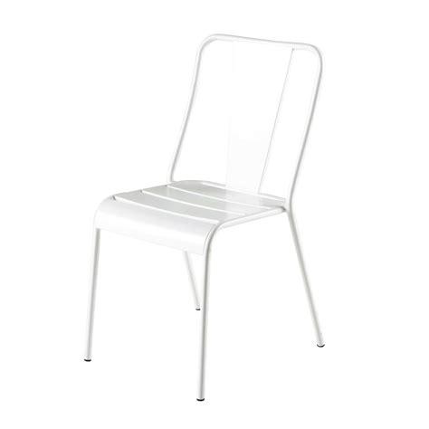 chaise de jardin blanche chaise de jardin en métal blanche harry 39 s maisons du monde