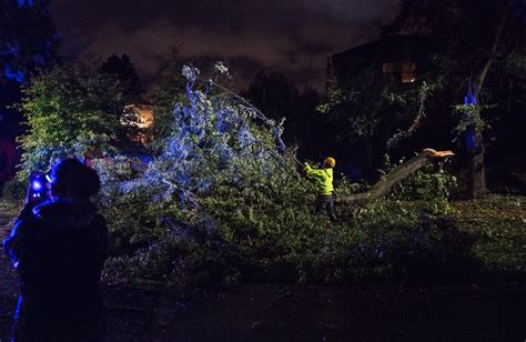 storm updates strongest winds pass seattle area
